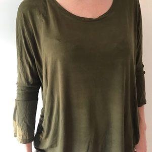 Shruggy green quarter sleeve top